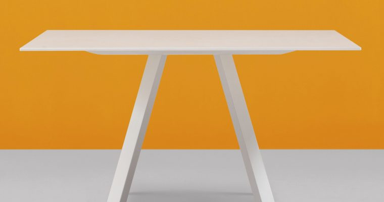 Pedrali Arki Tafel Vierkant – 139×139 Cm – Wit Tafelblad – Wit Metalen Onderstel |