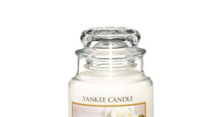 Yankee Candle Fluffy Towels Small Jar | 1205378E | Yankee Candle