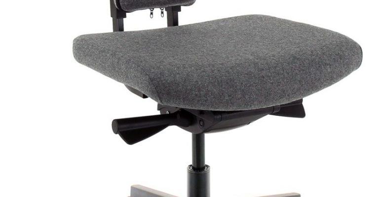 24Designs Torro Bureaustoel EN1335 – Grijs Wolvilt – Zwarte Kunststof Kruispoot |