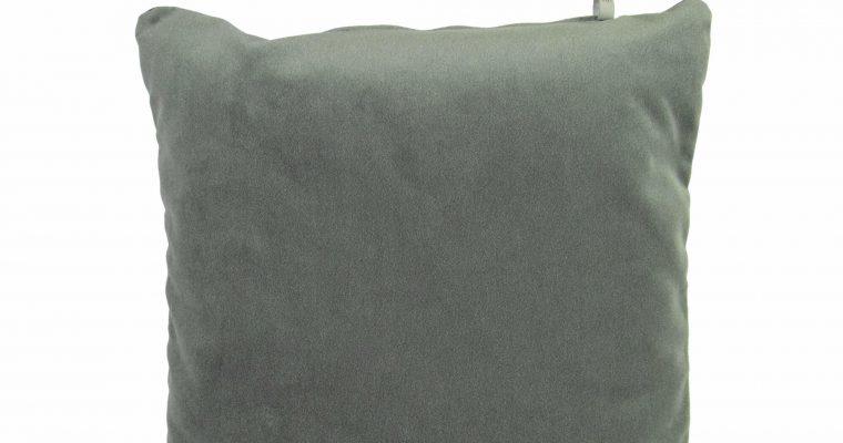 Initials kussen studio Lucca Olive Green 45x45cm   255-450-053   Initials