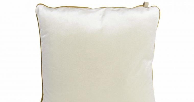 Initials kussen studio Murano Pearl white 45x45cm   255-450-092   Initials