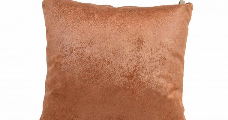 Initials kussen studio Nola amber brown 45x45cm   255-450-113   Initials
