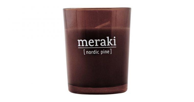 Meraki Geurkaars Nordic Pine rood   308150042   Meraki